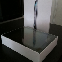 iPad 2 Box Unboxing